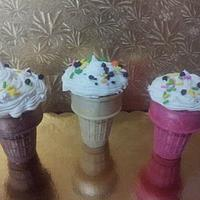 cupcakes in ice cream cup by Taima