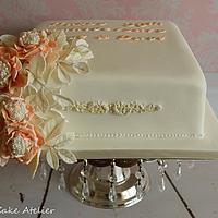 Apricot and Pearls Cake
