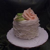 Miniature Frills with Peach Fantasy Flower