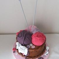 Knitting basket/wool ball cake