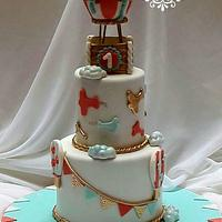 A hot air balloon theme cake