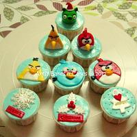 Angry Birds Christmas Cupcakes