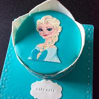 If anyone else asks for a Frozen cake I'll scream !!!! (But I do like this one) 😂