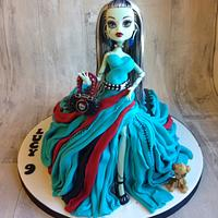 Frankie Stein monster high doll cake