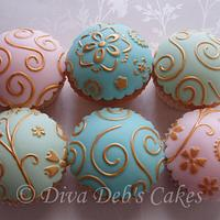 Hand Painted Embossed Fondant Topped Cup Cakes