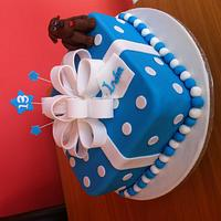 Present bow cake