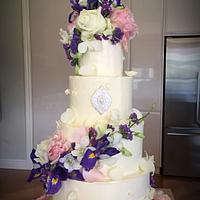Fresh flower and Buttercream Wedding