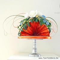 Fan with flowers