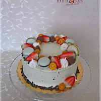 Drip cake & fresh fruits