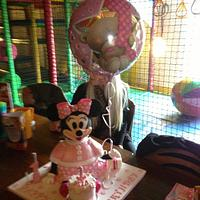 Minnie Mouse with balloon