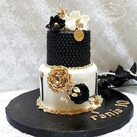 Cake Chic in Black & White