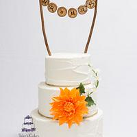 Rustic Cake with Sugar Dahlia