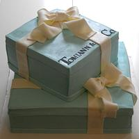 Tiffany's box cake
