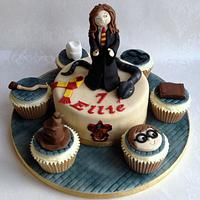 Harry Potter themed cake & cupcakes