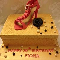 Shoe & Shoe box Cake by Jip's Cakes
