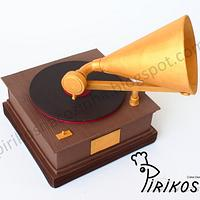 Gramophone Cake by Pirikos, Cake Design