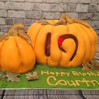 Light up Jack-O-Lantern cake