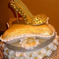 CHRISTIAN LOUBOUTIN PILLOW CAKE