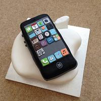 iPhone 5 and Apple logo cake