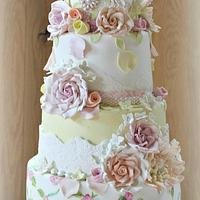 Country garden inspired 4 tier birdcage