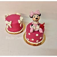 Minnie mini cake