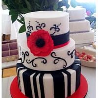 Retro Black&White Poppy wedding cake