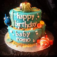 My first Finding Nemo Cake!! :) not bad huh?!? :)