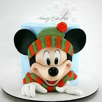 Mickey Mouse en la nieve
