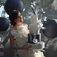 """Chic"" in black & white wedding cake."