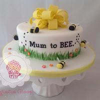 Baby shower mum to BEE cake