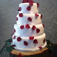 Scarlet scatter petal wedding cake