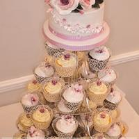 Flowers and Lace. Wedding cupcake Tower