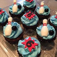 Bowling Cupcakes
