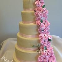 roses 7 layers of wedding cake