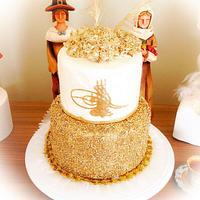 Edible gold sequins cake