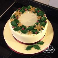 Berry Wreath Christmas Cake