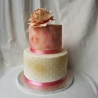 Peachy Pink Peony Cake