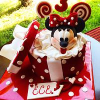 Minnie Mouse birthday cake and cookies