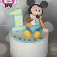 Baby Mickey fondant cake topper