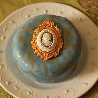 Marie Antoinette inspired cake by Smita Maitra (New Delhi Cake Company)