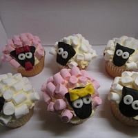 Sheep cupcakes by Hellocupcake
