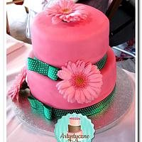 Pink cake witch real flowers