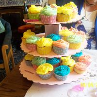 couloured cup cakes