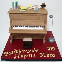 Upright Piano Cake