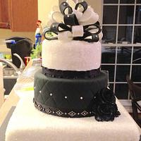 Black & White Wedding by Sugared Tiers