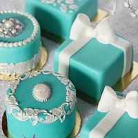Tiffany mini-cakes