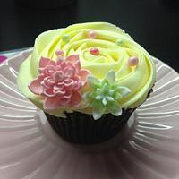 spring cupcake  by Samantha