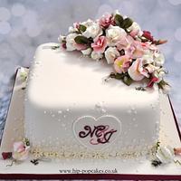 Sweet-pea wedding cake