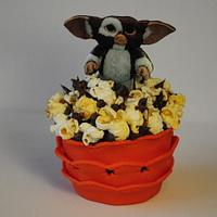 A Gremlins cupcake #gremlins #cakemastersmagazine