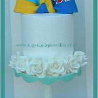 When Countries unite ~ an intimate Wedding cake